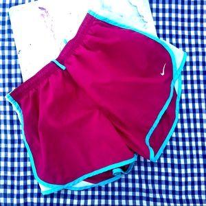 Nike Girls' Dry Tempo Running Shorts XL